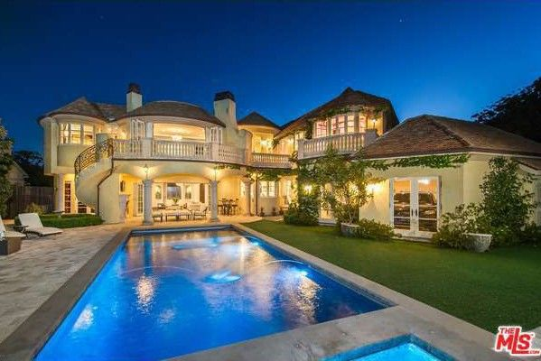 Top 10 Markets Dominated by Million-Dollar Homes (Nope, L