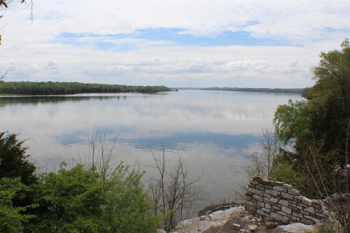 The property's breathtaking views of Old Hickory Lake