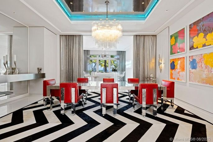 Black-and-white dining room