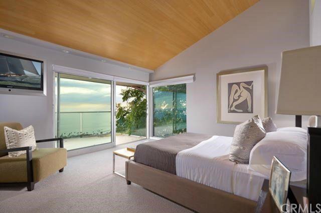 486 Panorama Dr.Laguna.Master bedroom
