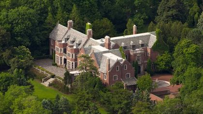 Located in Lake Forest, This $8.95M Midwestern Manse Is Like No Other
