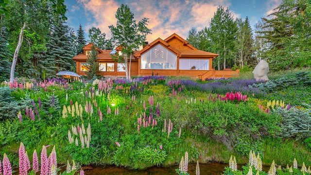 Designed to Showcase Art, Spectacular Aspen Retreat Is Listed for $17M