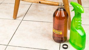 8 Ways Apple Cider Vinegar Can Clean Your Home Like Nobody's Business