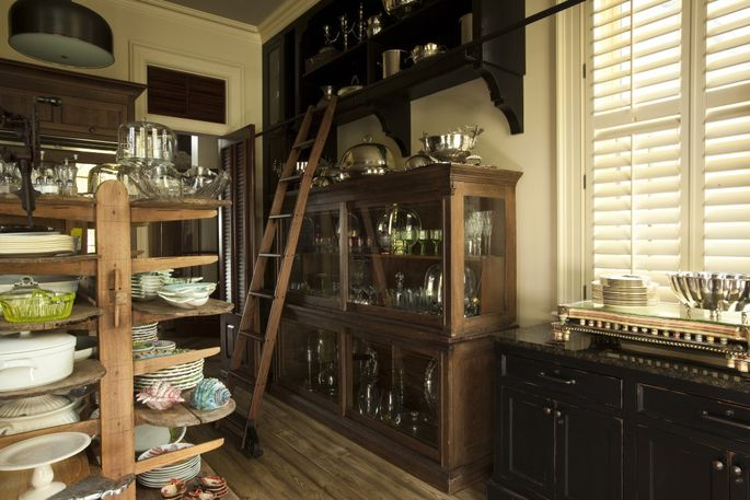 Simple Office Room Design, With No Nibbles Chef Paula Deen Slices Price On Savannah Mansion Realtor Com