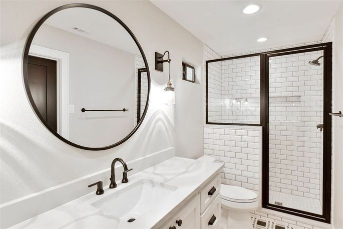 Chip and joanna gaines 39 latest house flip is a bargain - Interior design jobs without a degree ...