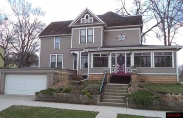 Speed Reading: Betsy-Tacy House Sells Fast in Minnesota