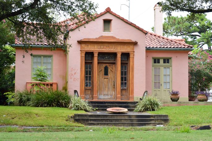 Remembering the past and looking forward to the future in this unusual Gentilly bungalow