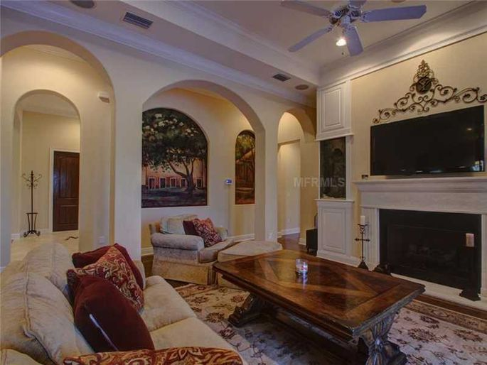 rob-gronkowski-sells-party-mansion-in-tampa-7