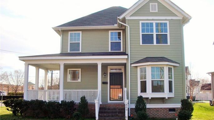 Three-bedroom home in Virginia Beach, VA
