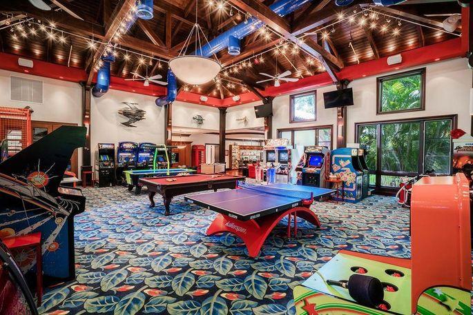 Rec room with arcade games