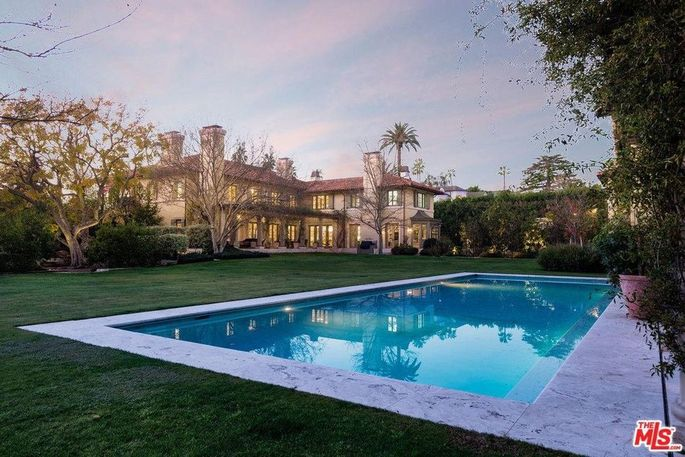 Jim Belushi's Brentwood Park home