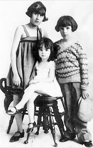 Judy Garland (born Frances Ethel Gumm) was the youngest of the performing Gumm Sisters.