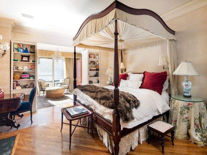 Bedroom in Sonja Morgan's townhouse