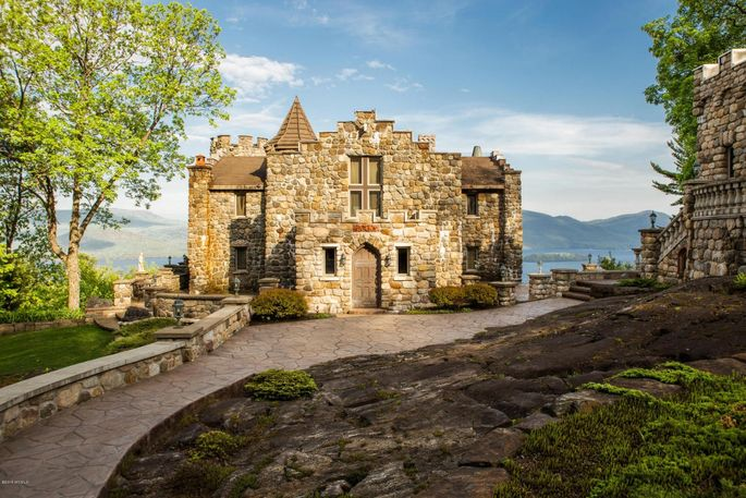 highlands castle looms large in upstate ny for 12 8m