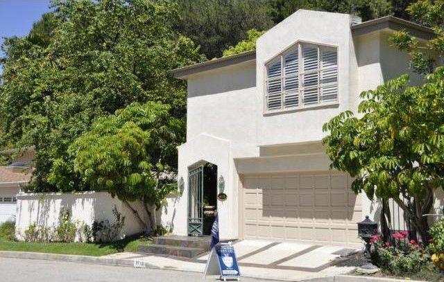Glee Star Naya River's Home in Beverly Hills