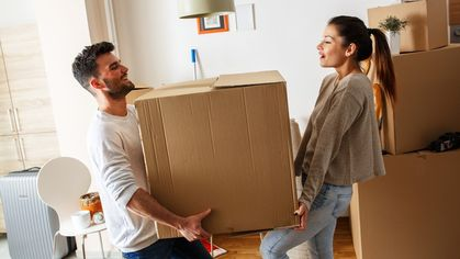 Moving Day Checklist and Guide: 10 Things You Need to Know
