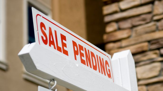 Home Sale What Does A Pending Offer Means