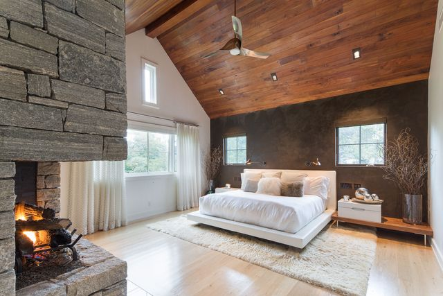 Main bed in Equinox co-founder home in NY