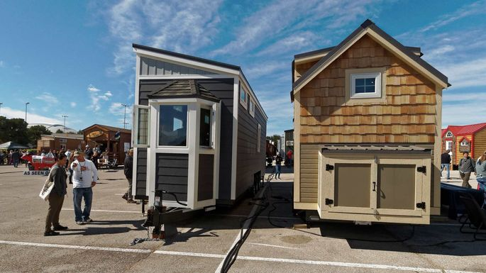 Where Can I Buy A Tiny House >> How To Buy A Tiny House A Miniguide To Going Small Realtor Com