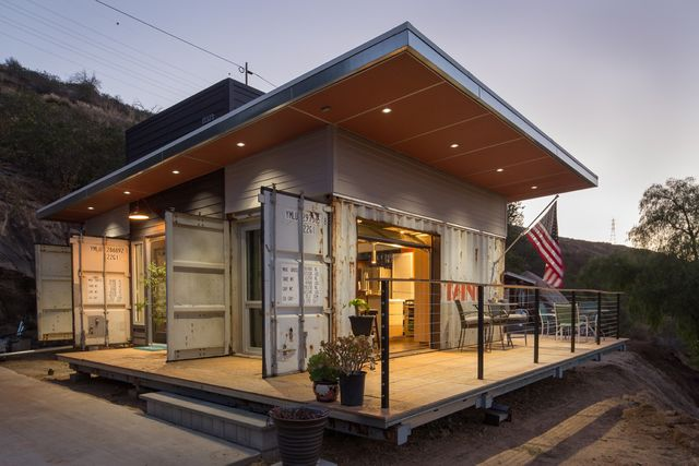 720 Sq Ft Cottage In Southern California Built From Shipping Containers