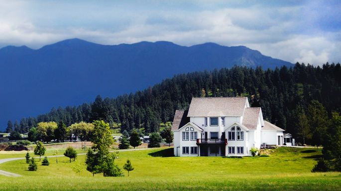 7 Things To Consider Before Buying A Home In The Country Realtor