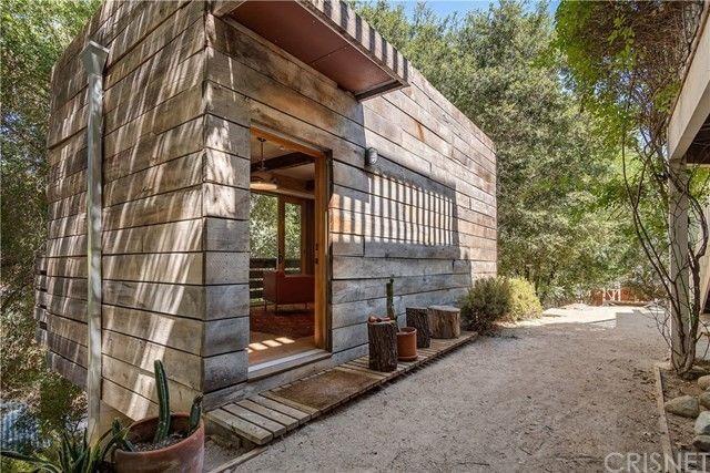 She-shed Rainn Wilson house