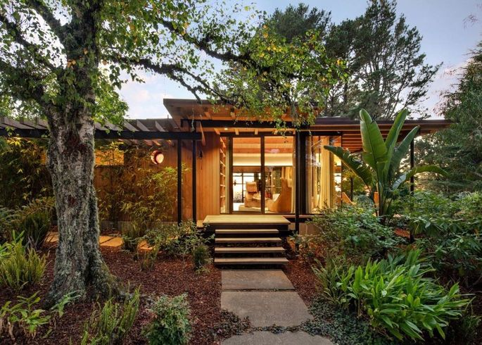 Contemporary Woodside cottage
