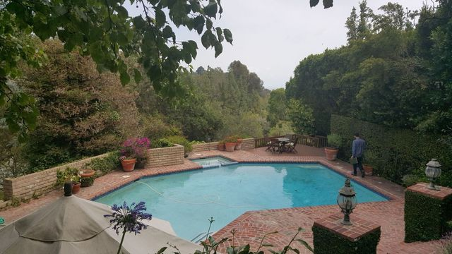 Before / Mandeville Canyon Pool