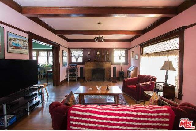 The L A Home From 1990 S House Party Is Up For Sale