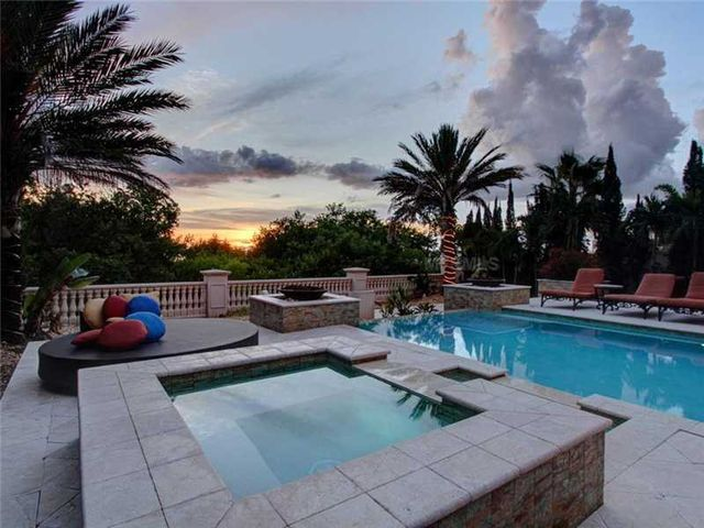 rob-gronkowski-sells-party-mansion-in-tampa-23