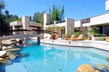 Modern Oasis Design by Ken Ronchetti in Rancho Santa Fe, CA (PHOTOS)