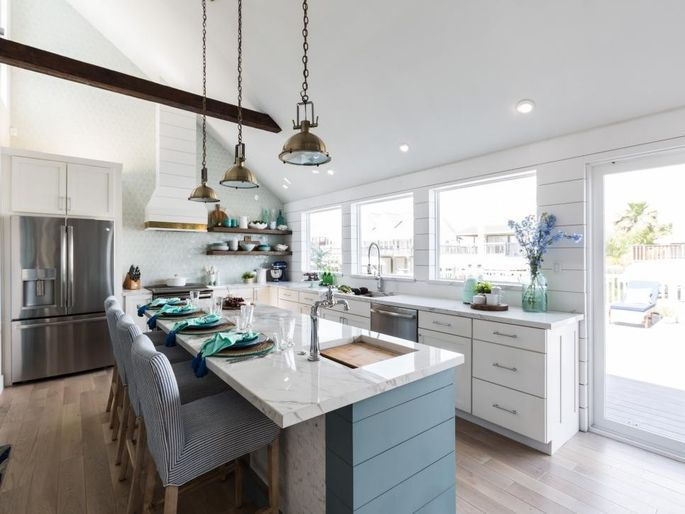 Property Brothers Cook Up New Kitchens in \'Brother vs. Brother ...