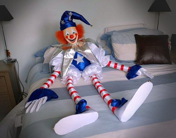 """Replica of the clown from """"Poltergeist"""""""