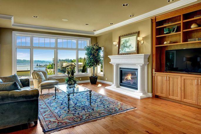 Views of Lake Washington from the living room