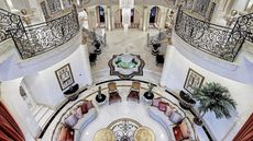 We Chew Over a Luncheon Loggia in This Week's 10 Biggest Homes