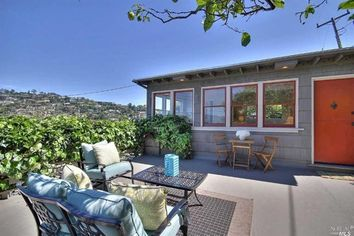 An Enclave for Artists: Cute Tiburon House With a Cool History