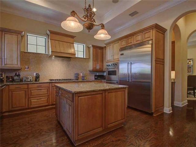 rob-gronkowski-sells-party-mansion-in-tampa-6