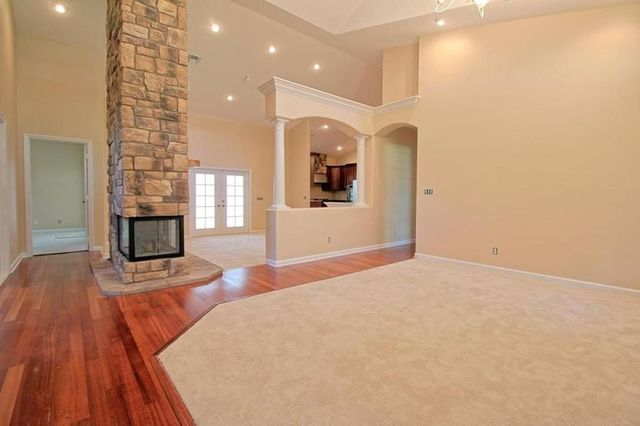 What a catch super bowl mvp santonio holmes selling fl for The living room channel 10 catch up