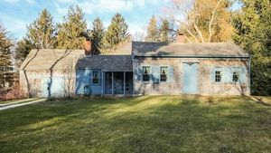 Charming Classic on Cape Cod From 1720 Is the Week's Oldest Home