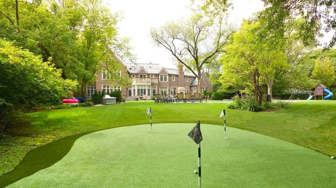 lake-forest-golf-yoga-mansion