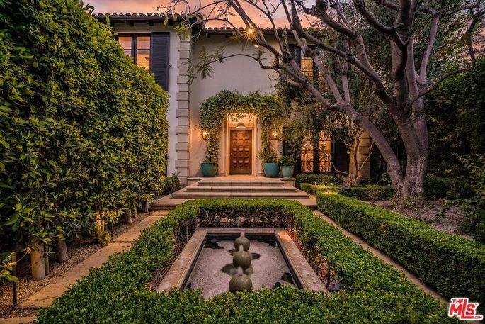 A mansion worthy of a pop star