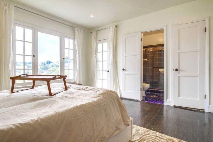 Mster bedroom