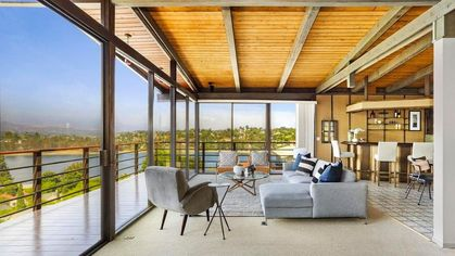 A Lake View in Los Angeles? It's Possible in This '70s-Era Time Capsule
