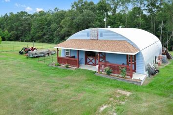 This Mississippi Quonset Hut Is an Industrial-Strength Weekend Retreat