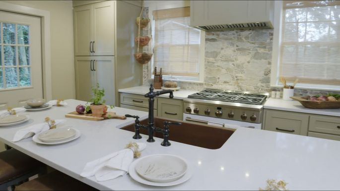 This backsplash is a unique choice, but it looks great.