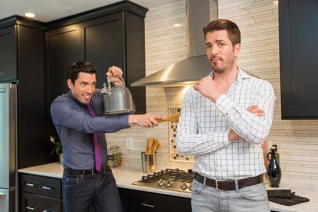 On 'Property Brothers,' Jonathan and Drew Unearth the 'Biggest Faux Pas in Renovation'