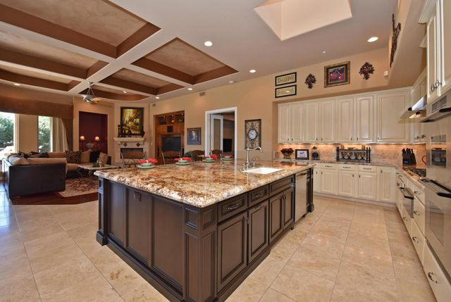 Giants All Star Brandon Crawford Buys Scottsdale Home