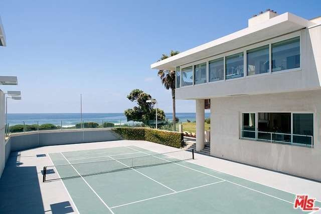We Serve Up 6 Luxe Homes With Tennis Courts Realtor Com