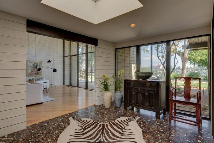 Entryway with skylight