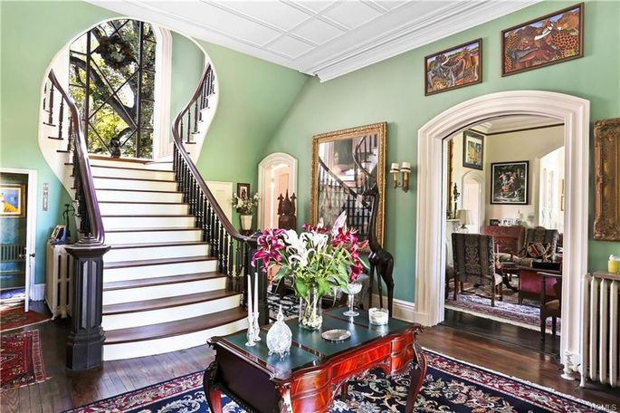 The home's entryway